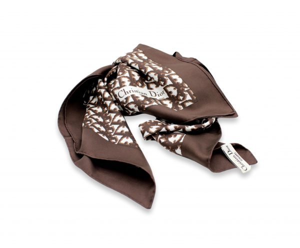 014 clipped rev 1 scaled • Foulard Christian Dior •