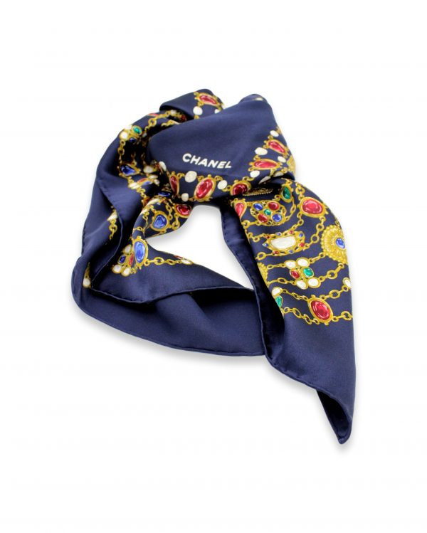 021 clipped rev 1 scaled • Foulard Chanel •